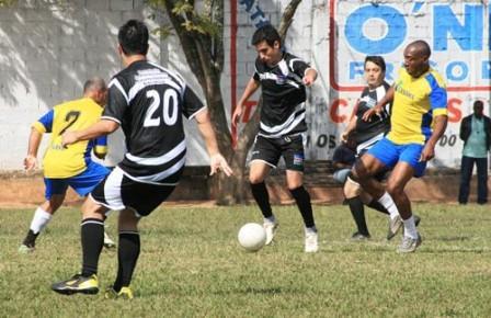 Read more about the article Campeonato Interno da Prefeitura: semifinais têm 15 gols