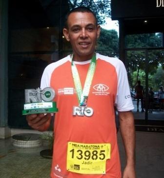 Jadir José fica em segundo entre deficientes auditivos na Meia Maratona do Rio de Janeiro