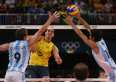 Read more about the article Seleção Brasileira de Vôlei passa fácil pela Argentina e está na semifinal olímpica