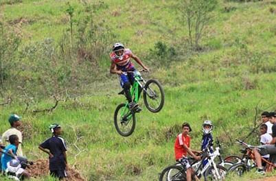 Read more about the article Jefferson da Silva chega oito centésimos à frente de Lair Bellini no Downhill do Valo