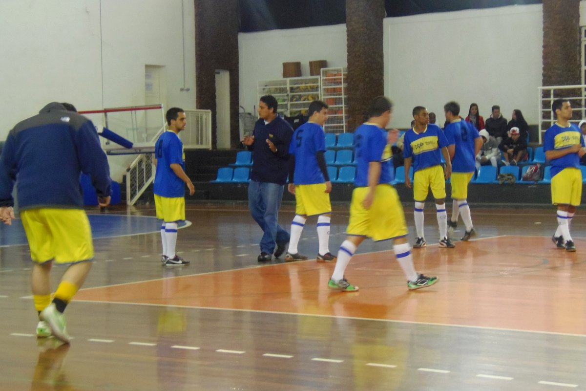 Esdeva e MRS fazem final no Futsal