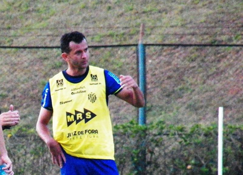 """Read more about the article """"Zagueiro-lateral"""", Fabrício Soares admite preferência antes de estreia"""