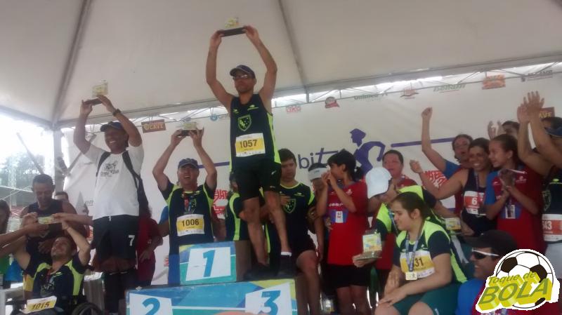 Read more about the article Clube Bom Pastor recebe campeã mundial de vôlei de praia e comemora 2015 vitorioso