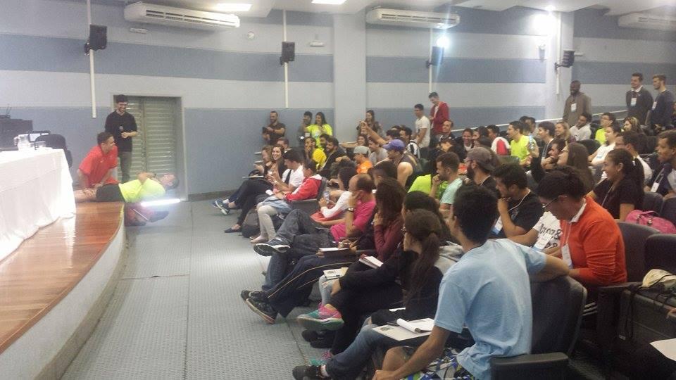 """Segundo dia  do Congresso de Ciência do Esporte na UFJF empolga alunos e palestrantes : """"Difícil até definir um único legado"""""""