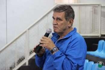 Professor Jorge Perrout responde pelo Atletismo da UFJF