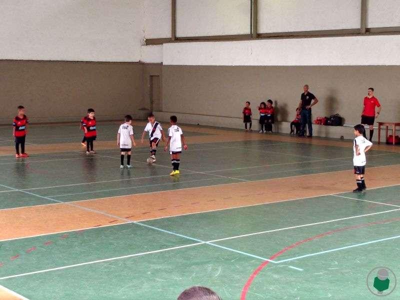 """Read more about the article 5ª Copa Toque de Bola de Futsal: """"clássicos"""" esquentam a competição. Veja fotos"""