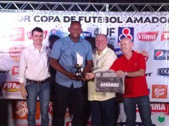 """""""Comendador"""" Keko, goleiro do Cruzeirinho, o melhor jogador da Copa"""