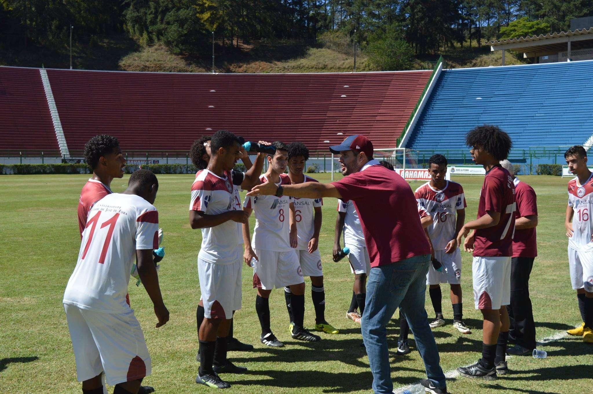 Read more about the article Valeu, professor! UFJF/Asepel perde treinador e joga em Ribeirão das Neves