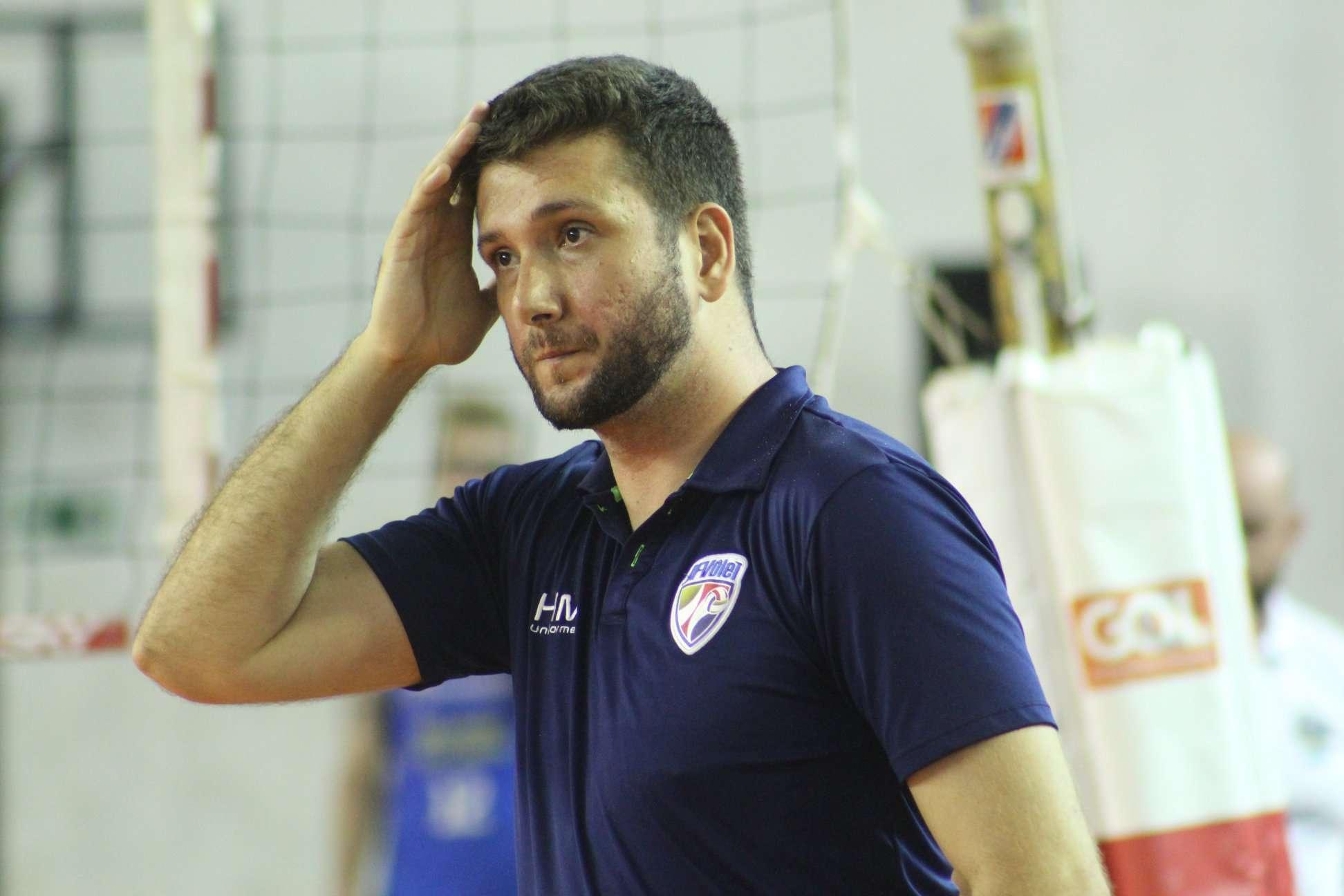 Conheça Marcão, treinador do JF Vôlei: calma, maturidade e confiança