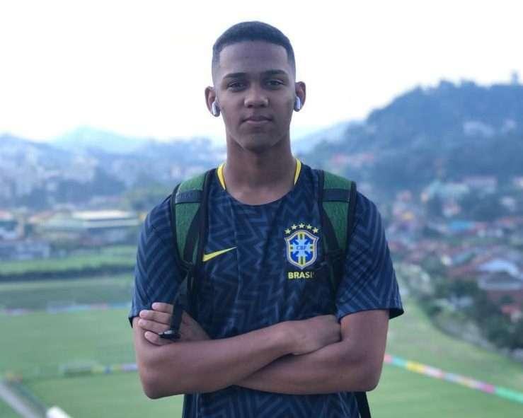 Read more about the article Sonho realizado! Juiz-forano Guilherme comemora período com a Seleção
