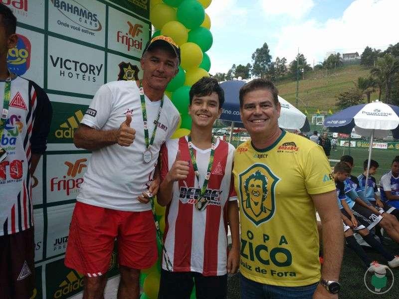 """""""Respeito, disciplina e solidariedade""""! América de Rio Pomba"""