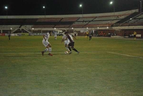 Read more about the article Novo empate deixa Baeta fora do G-4