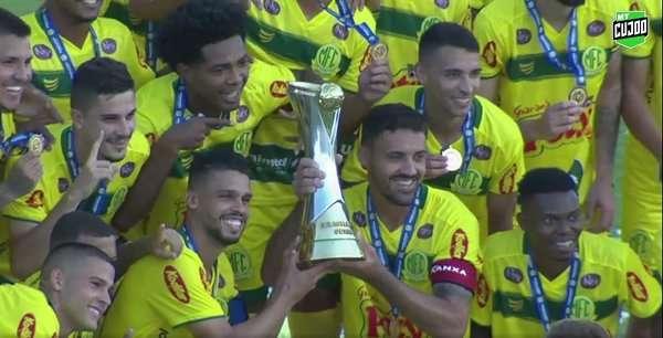 Read more about the article É campeão! Mirassol levanta a Taça da Série D