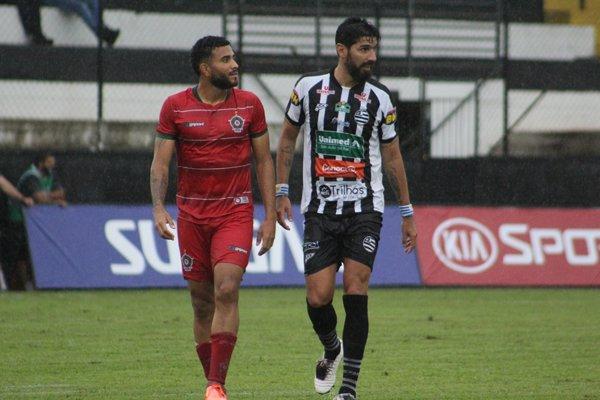 Read more about the article Você sabe quantas vezes Loco Abreu enfrentou o Cruzeiro?
