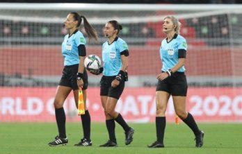 Mariana de Almeida, Edina Alves Batista e Neuza Back no Mundial de Clubes da FIFA 2021.