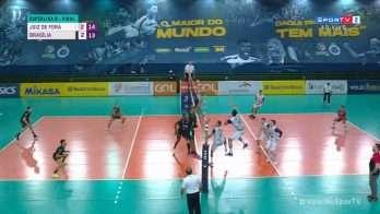 O time juiz-forano venceu o Brasília Vôlei por 3 sets a 2 em Contagem