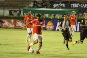 Lucas Vital foi o capitão do Inter em Minas Gerais/Foto: Jota Finkler