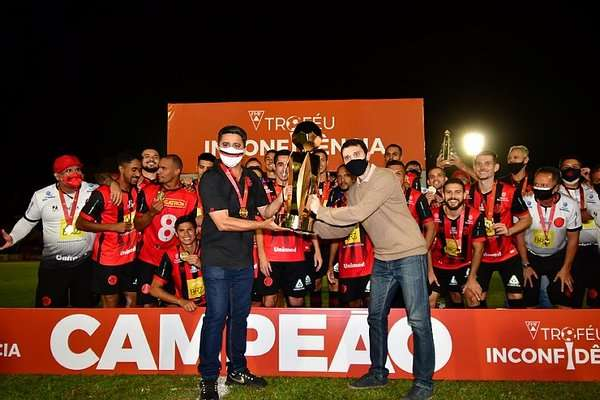 Read more about the article Virou rotina: Pouso Alegre celebra terceiro título em três anos