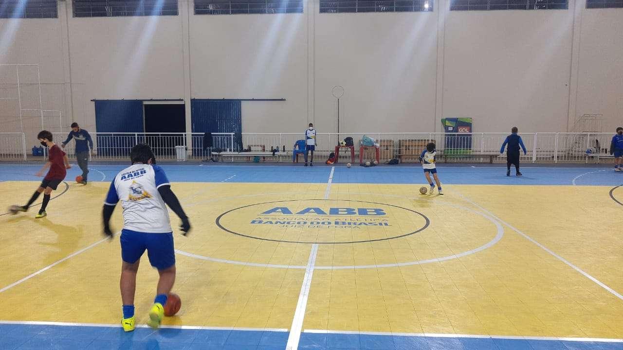 Read more about the article Veja como está a volta das atividades nas escolinhas de JF