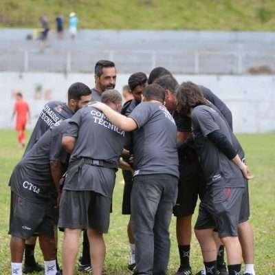 Read more about the article Elenco confirmado: Manchester se apronta para a estreia!