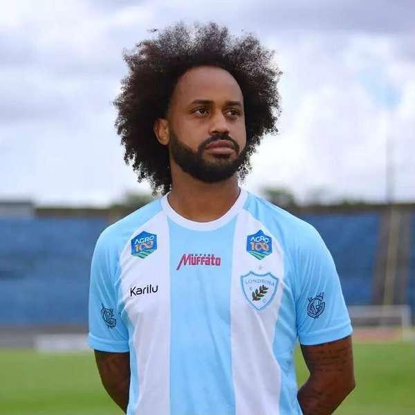 """Read more about the article Luiz Fernando Cunha Júnior: """"cabelo black incomoda por ser símbolo antirracismo"""""""